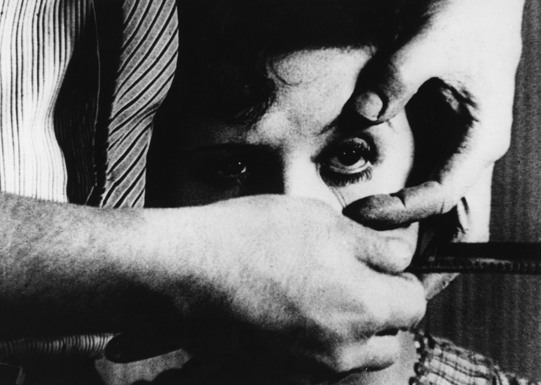 An image from Luis Buñuel and Salvador Dalí's Un Chien Andalou (1929).